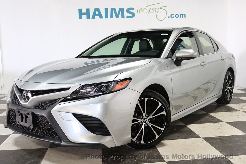 2018 Toyota Camry SE Automatic - 18202674 - 1
