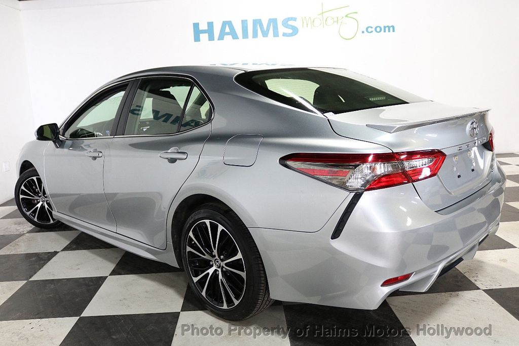 2018 Toyota Camry SE Automatic - 18202674 - 4