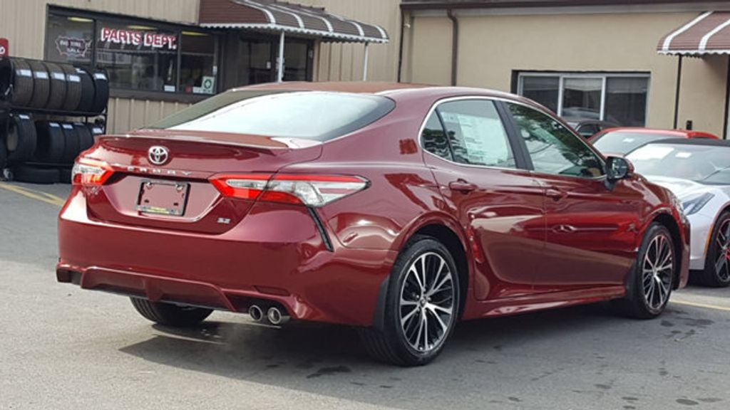 2018 Toyota Camry SE Automatic - 18245706 - 4