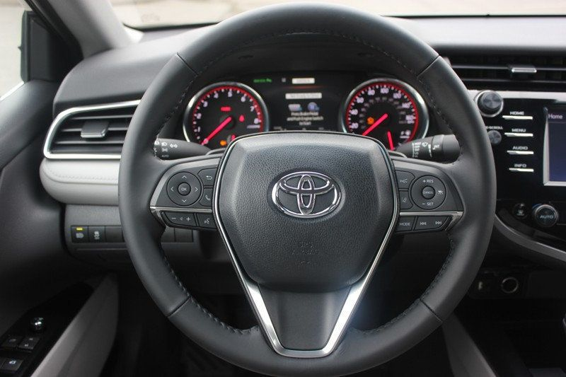 2018 Toyota Camry XSE Automatic - 18602755 - 19