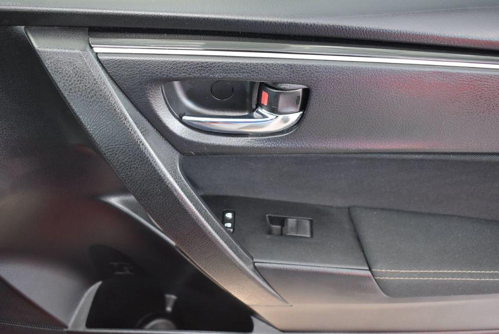 2018 Toyota Corolla  - 18592357 - 15