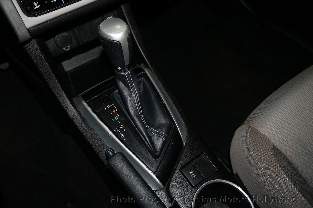 2018 Toyota Corolla LE CVT - 18295701 - 21