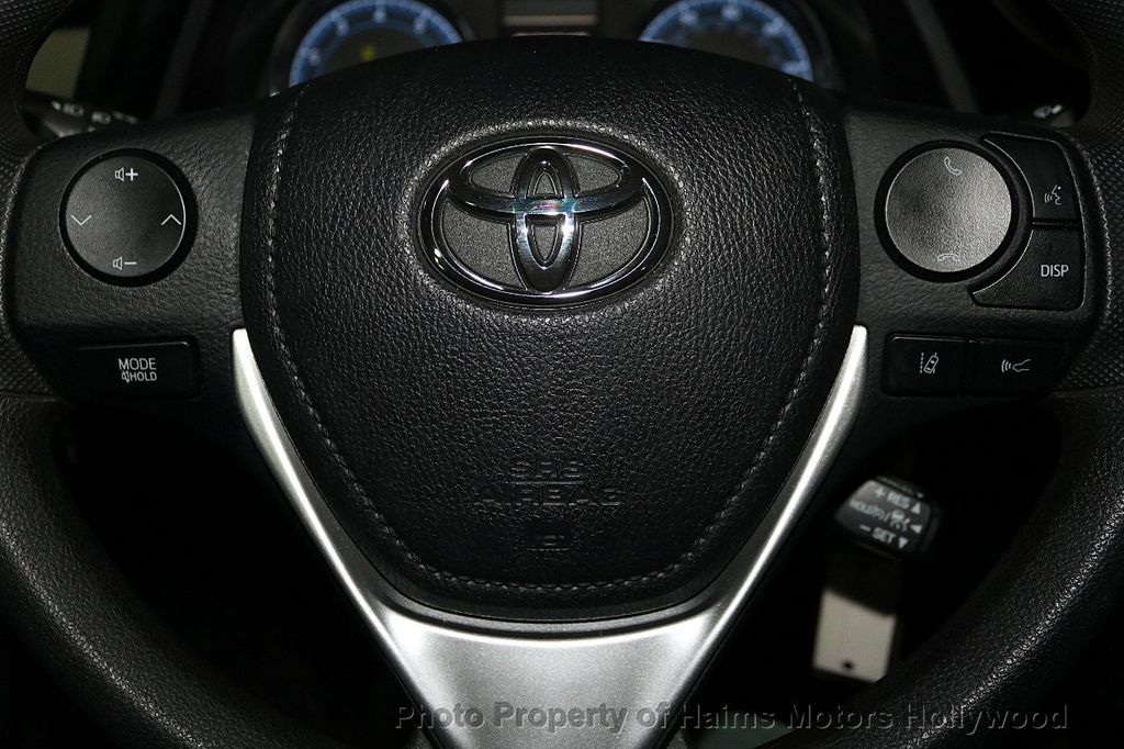 2018 Toyota Corolla LE CVT - 18295701 - 24