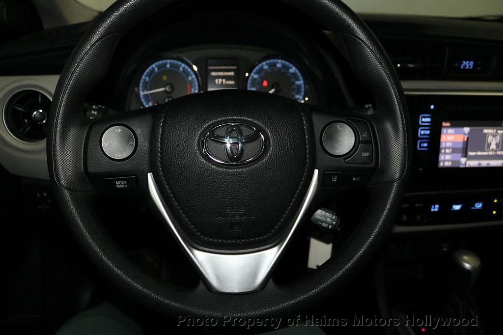 2018 Toyota Corolla LE CVT - 18295701 - 25