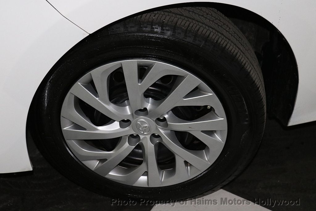 2018 Toyota Corolla LE CVT - 18295701 - 28