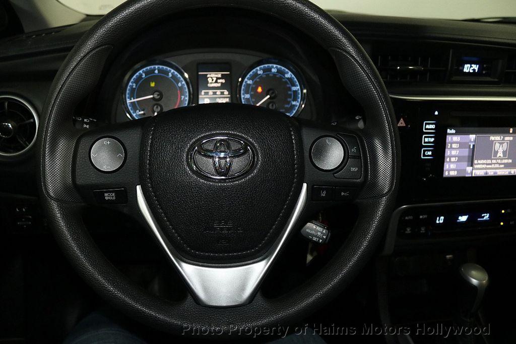 2018 Toyota Corolla LE CVT - 18692233 - 26