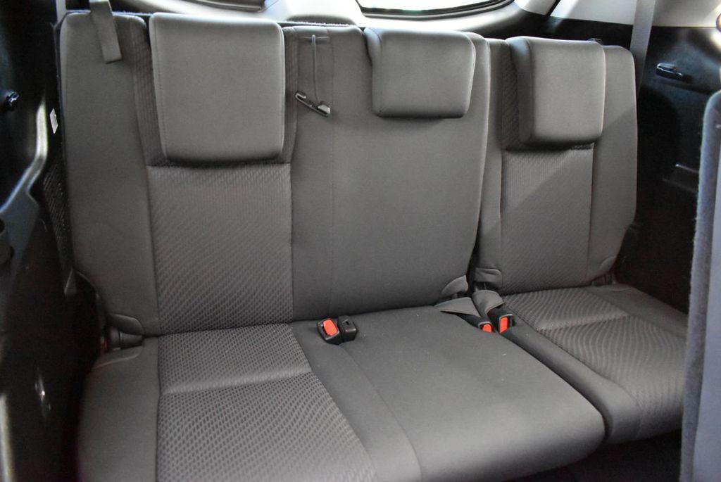 2018 Toyota Highlander LE I4 FWD - 18637837 - 13