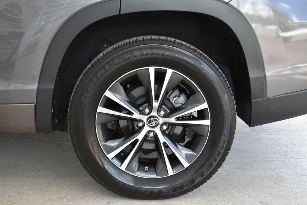 2018 Toyota Highlander LE I4 FWD - 18637837 - 7