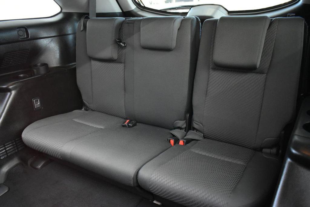 2018 Toyota Highlander LE I4 FWD - 18637837 - 8