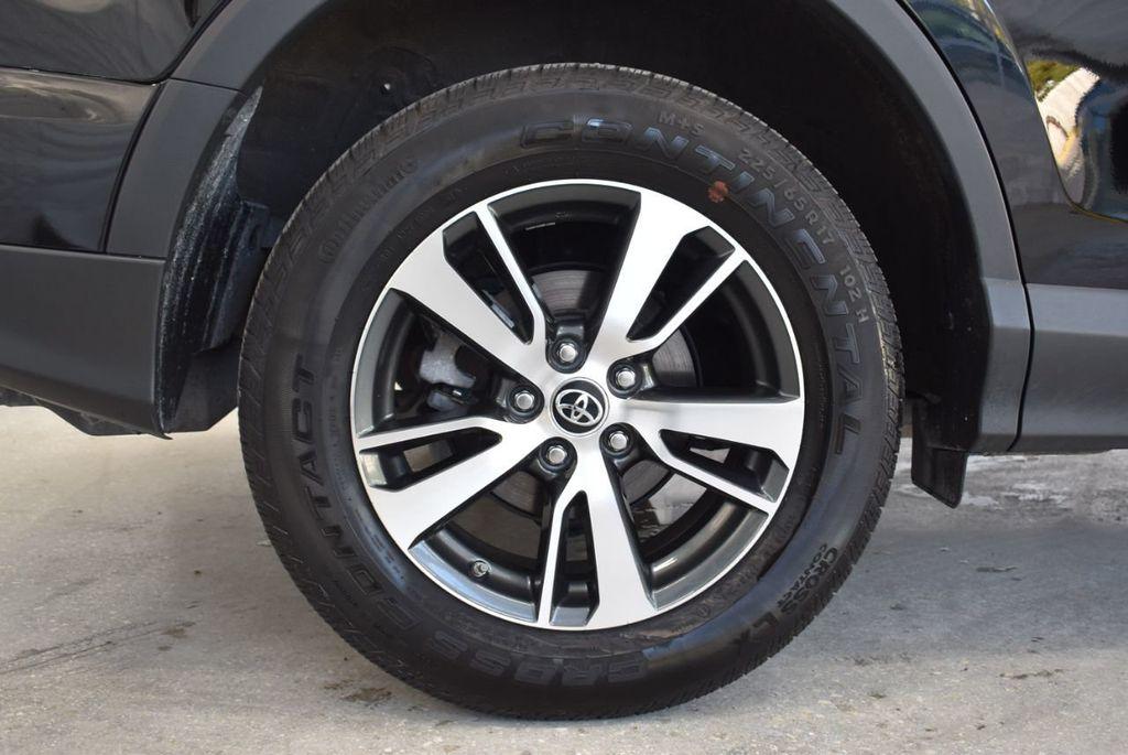 2018 Toyota RAV4 XE - 18433245 - 9