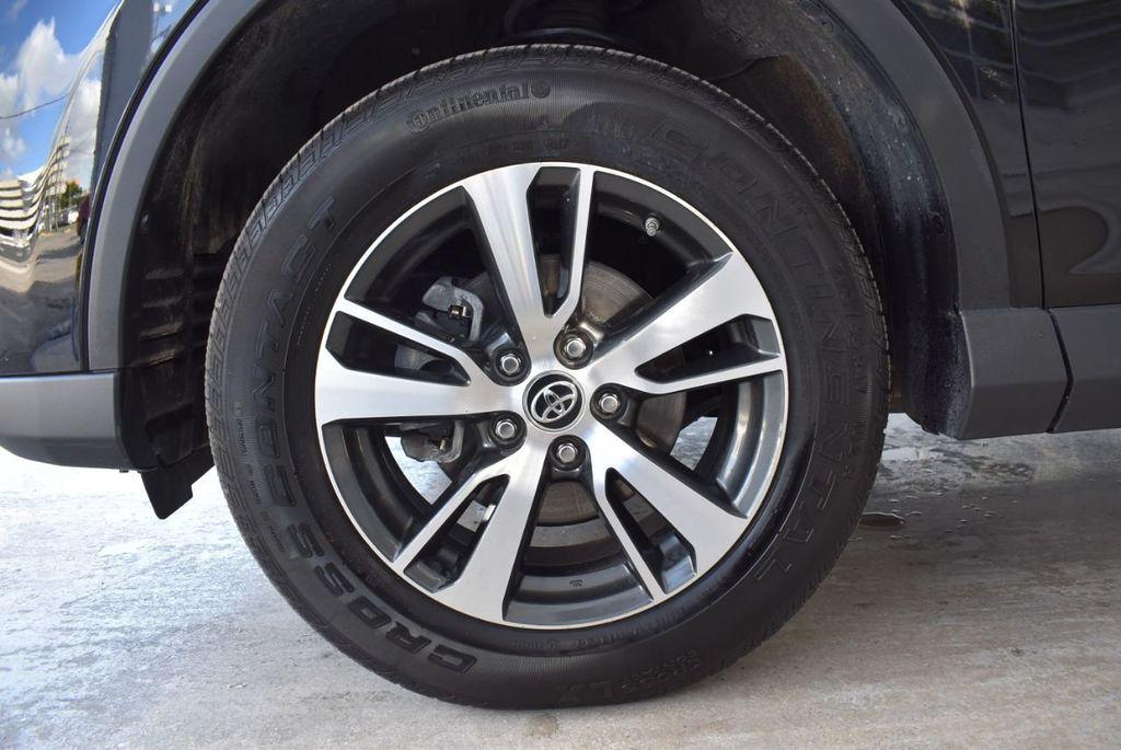 2018 Toyota RAV4 XE - 18433245 - 11