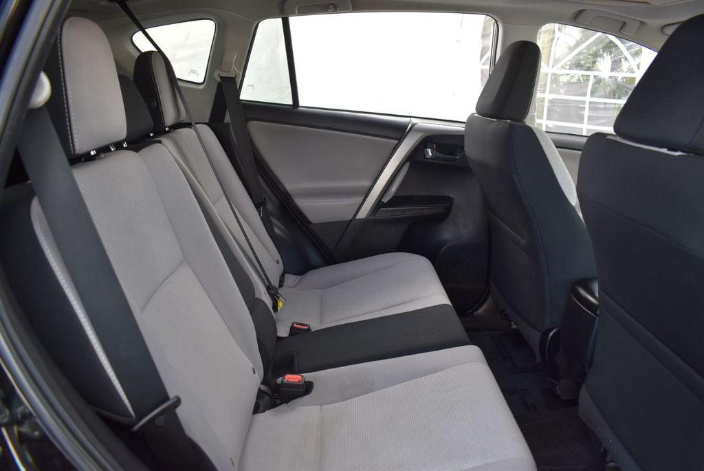 2018 Toyota RAV4 XE - 18433245 - 22