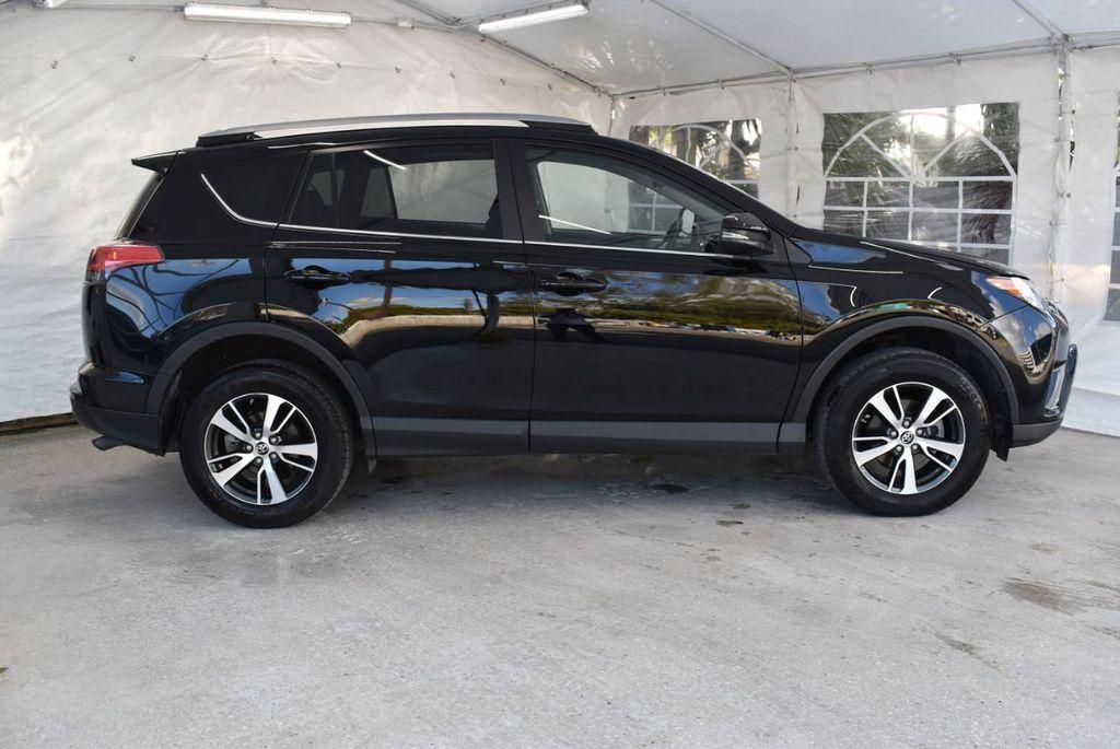 2018 Toyota RAV4 XE - 18433245 - 2