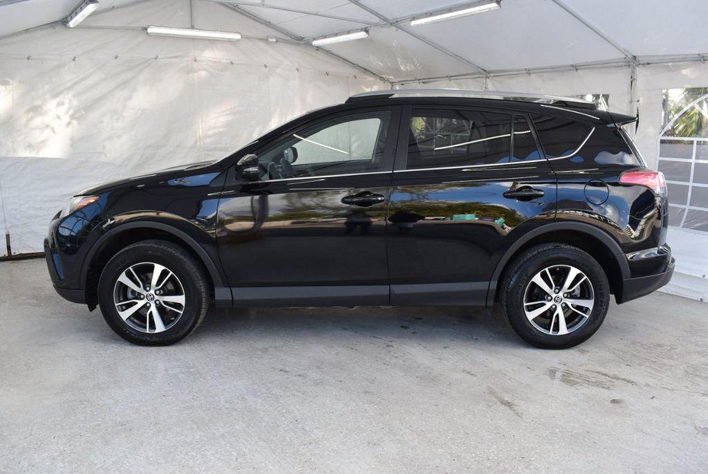 2018 Toyota RAV4 XE - 18433245 - 4
