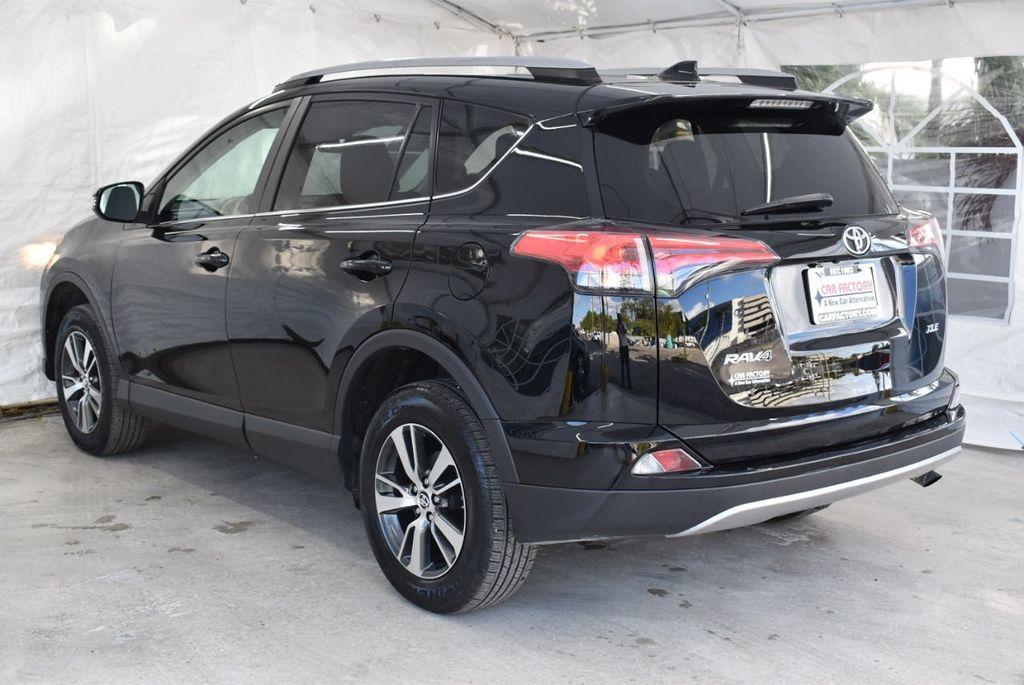 2018 Toyota RAV4 XE - 18433245 - 5