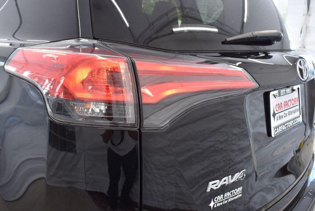 2018 Toyota RAV4 XE - 18433245 - 6