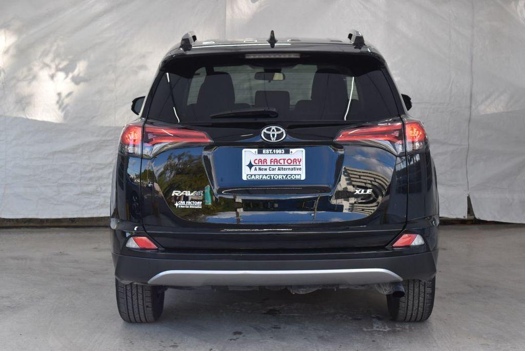 2018 Toyota RAV4 XE - 18433245 - 7