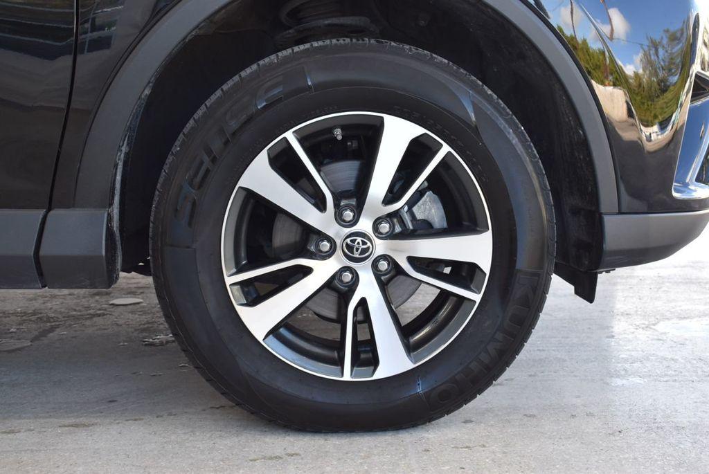 2018 Toyota RAV4 XE - 18433245 - 8
