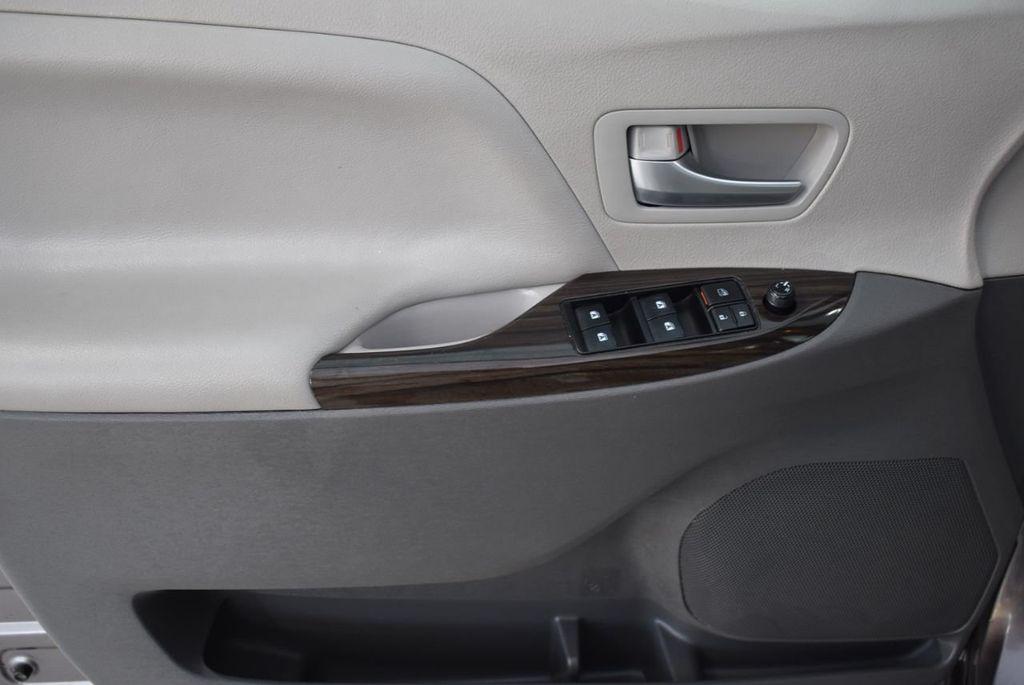 2018 Toyota Sienna  - 18574933 - 13