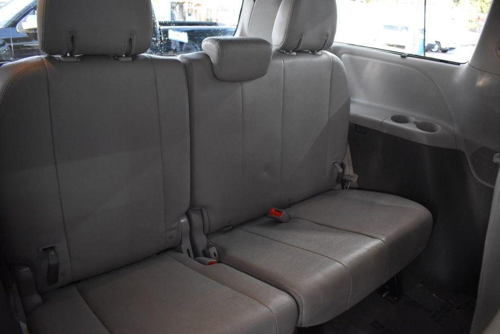 2018 Toyota Sienna  - 18574933 - 15