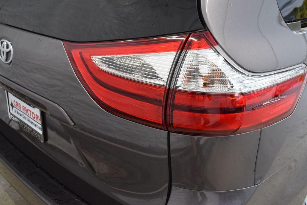 2018 Toyota Sienna  - 18574933 - 1