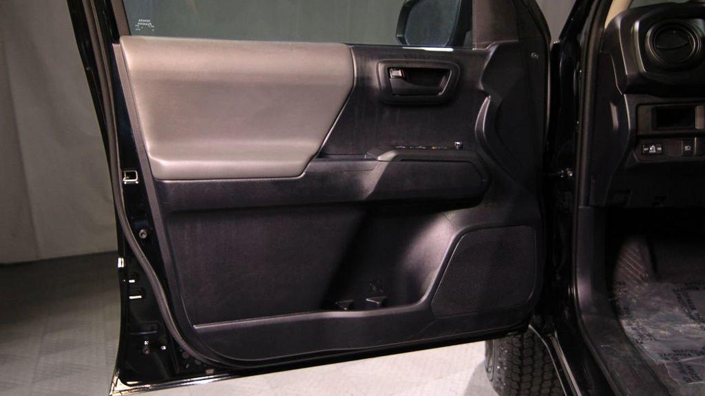 2018 Toyota Tacoma SR Double Cab 5' Bed V6 4x4 Automatic - 18346849 - 16