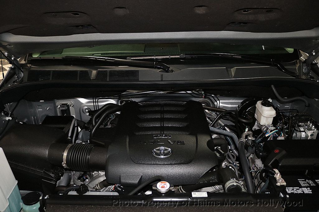 2018 Toyota Tundra 2WD SR5 CrewMax 5.5' Bed 4.6L - 18315712 - 33