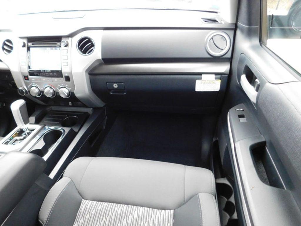 2018 Toyota Tundra 4WD SR5 CrewMax 5.5' Bed 5.7L FFV - 18369415 - 4