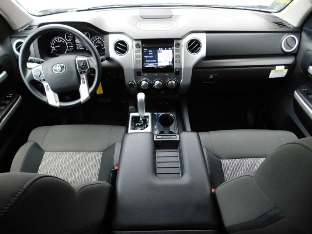 2018 Toyota Tundra 4WD SR5 CrewMax 5.5' Bed 5.7L FFV - 18369415 - 5