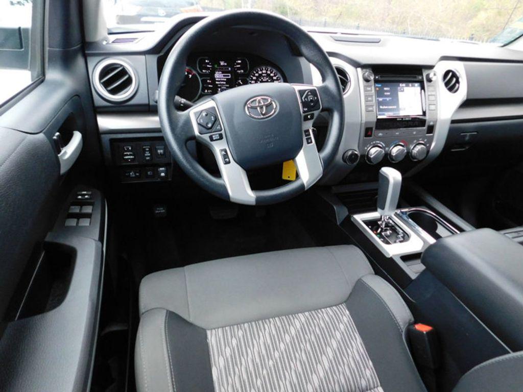 2018 Toyota Tundra 4WD SR5 CrewMax 5.5' Bed 5.7L FFV - 18369415 - 6