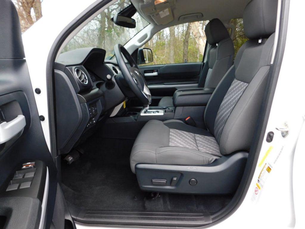 2018 Toyota Tundra 4WD SR5 CrewMax 5.5' Bed 5.7L FFV - 18369415 - 7