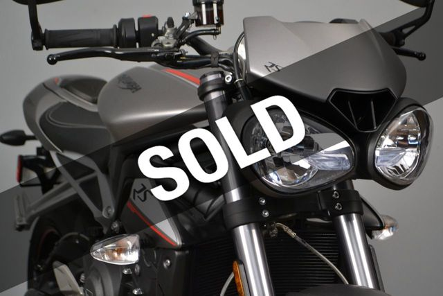 2018 Triumph Street Triple RS Less than 1900 miles - 19100160 - 0