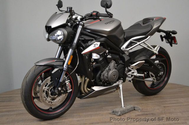 2018 Triumph Street Triple RS Less than 1900 miles - 19100160 - 15