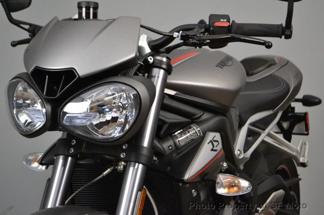 2018 Triumph Street Triple RS Less than 1900 miles - 19100160 - 1