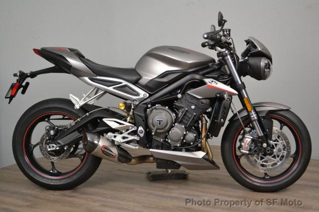 2018 Triumph Street Triple RS Less than 1900 miles - 19100160 - 2
