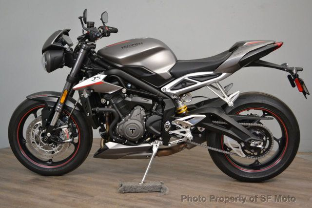 2018 Triumph Street Triple RS Less than 1900 miles - 19100160 - 3