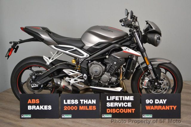 2018 Triumph Street Triple RS Less than 1900 miles - 19100160 - 4