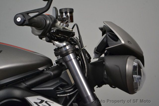 2018 Triumph Street Triple RS Less than 1900 miles - 19100160 - 6