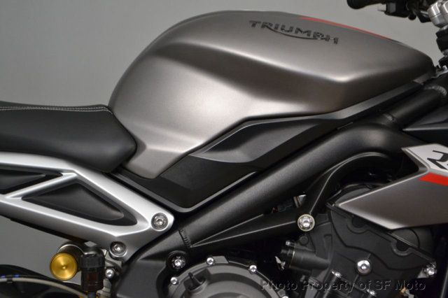 2018 Triumph Street Triple RS Less than 1900 miles - 19100160 - 8