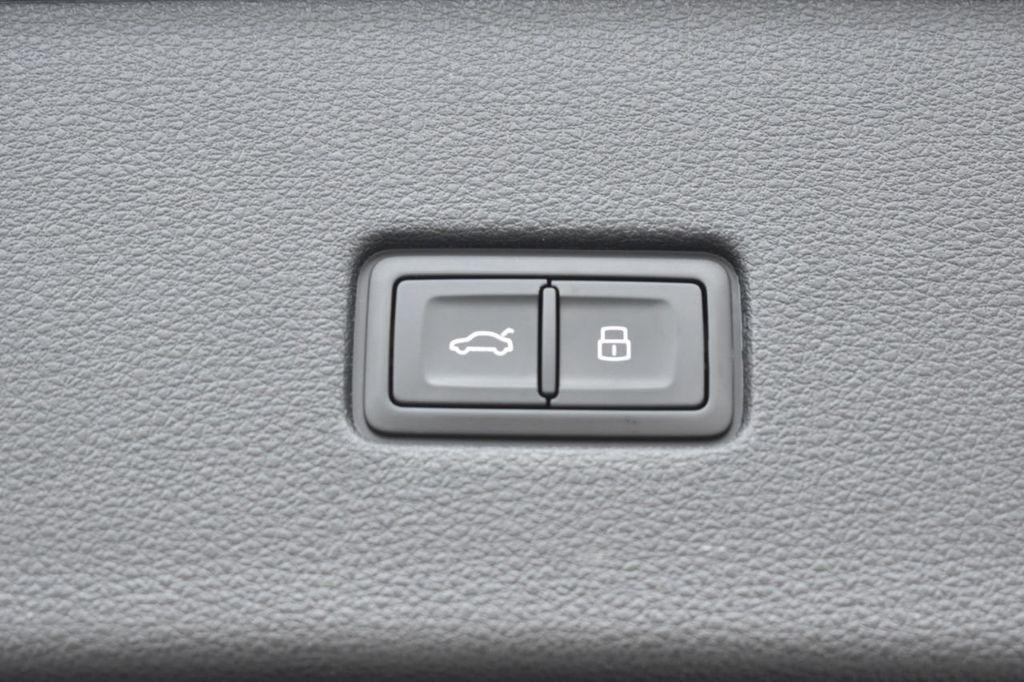 2019 Audi Q8 3.0 TFSI Premium - 18295136 - 37