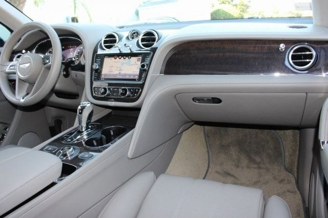 2019 Bentley Bentayga V8 - 19723474 - 32