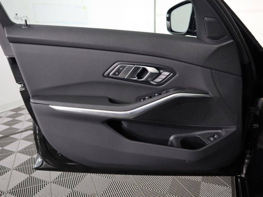 2019 BMW 3 Series 330i - 19013995 - 25