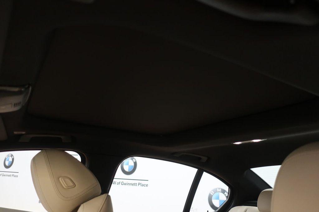 2019 BMW 3 Series 330i - 18706189 - 15