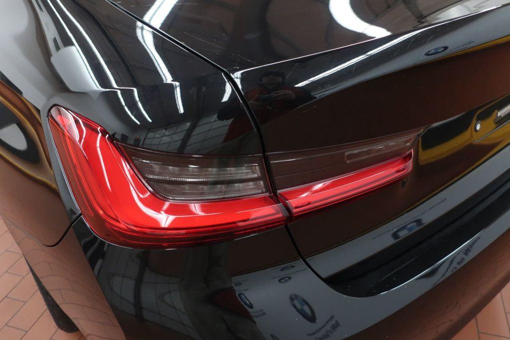 2019 BMW 3 Series 330i - 18706189 - 4