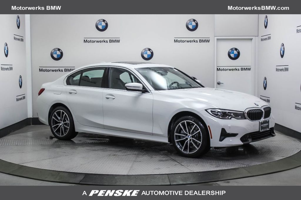 2019 BMW 3 Series 330i xDrive - 18812702 - 0