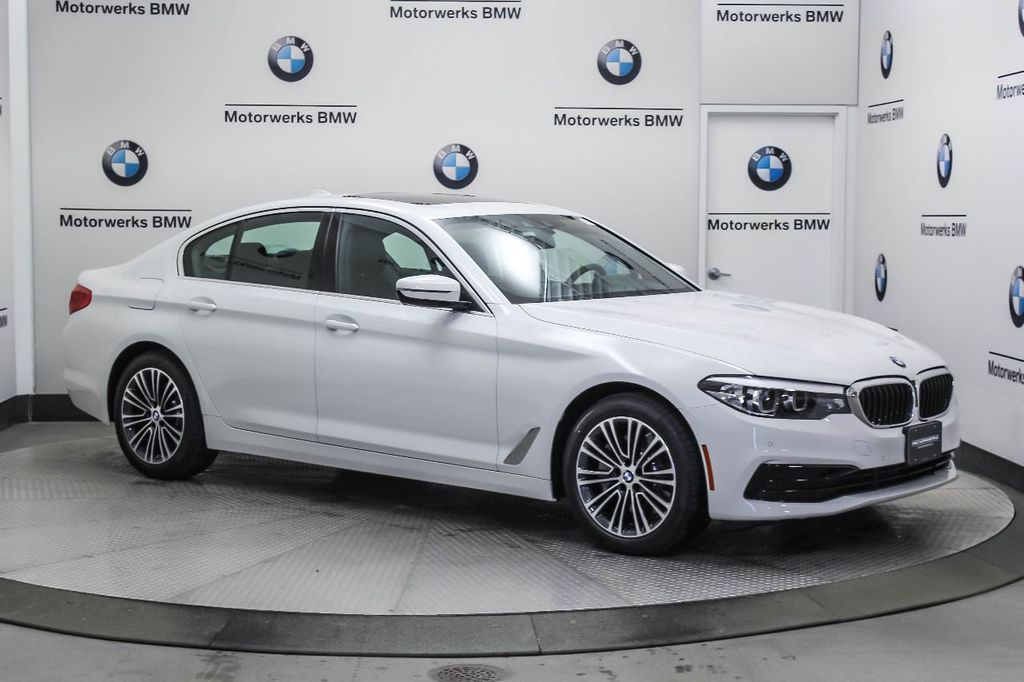 2019 BMW 5 Series 530i xDrive - 18857850 - 11