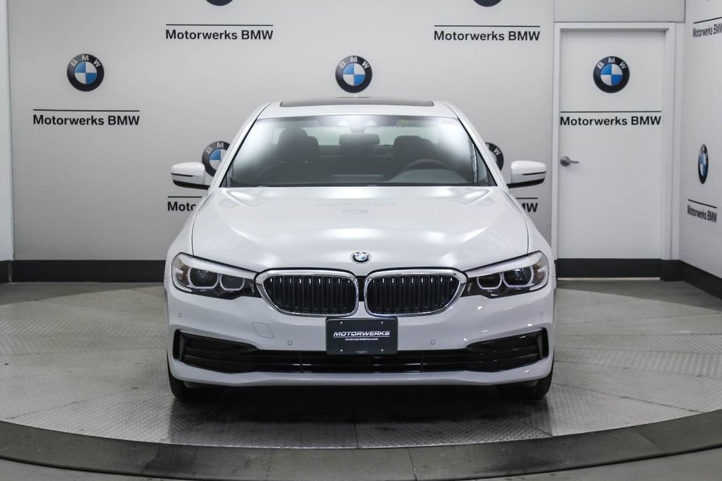 2019 BMW 5 Series 530i xDrive - 18857850 - 12
