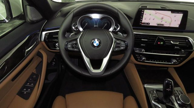 2019 BMW 5 Series COURTESY VEHICLE  - 18446546 - 9