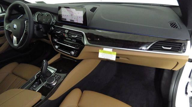 2019 BMW 5 Series COURTESY VEHICLE  - 18446546 - 17