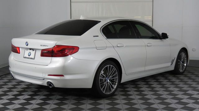 2019 BMW 5 Series COURTESY VEHICLE  - 18446546 - 4